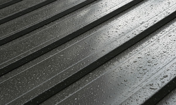 Cleaning & Troubleshooting Tips for Metal Roofs